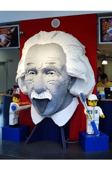 Картинка: Альберт Эйнштейн в Леголандии